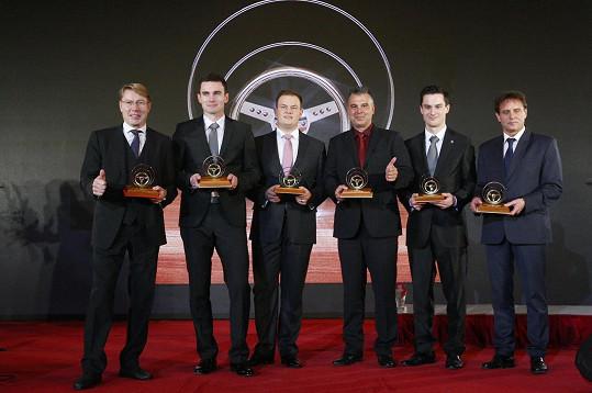 Vítězové ankety Zlatý volant: Zleva Mika Häkkinen, Jan Kopecký, Adam Lacko, Vladimír Vitver, Adam Kout, Václav Fejfa
