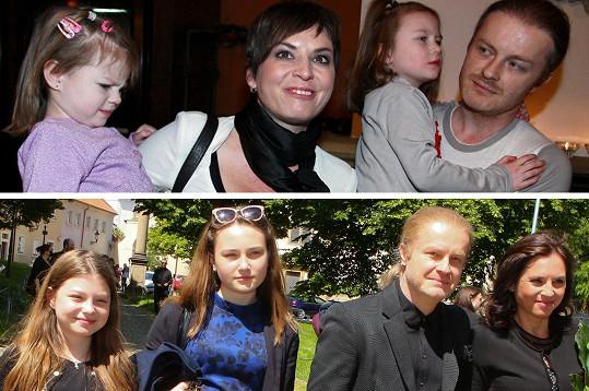 Na prvním snímku houslista Pavel Šporcl a herečka Bára Kodetová s dcerami Violet a Sophií v roce 2012 a dnes.