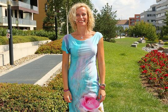 Moderátorka Kristina Kloubková přišla na prezentaci šperků Jitky Kudláčkové.