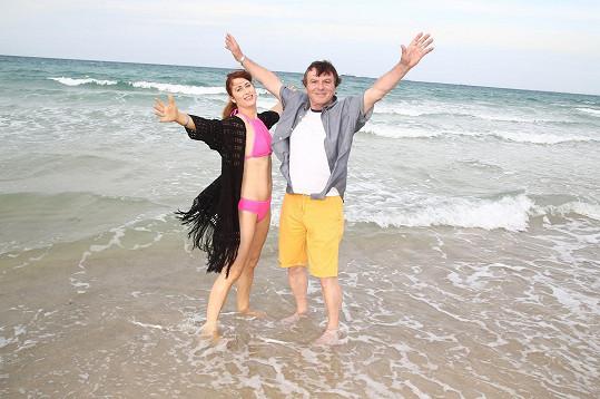 Pavel Trávníček se do plavek svlékne až bez přítomnosti fotografa.