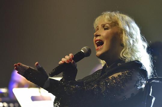 Je autorkou desítek hitů. Jmenujme například Koloseum, Paradiso, Úlomky spomienok nebo Zem menom láska. Písně Mariky Gombitové s nadčasovým poselstvím a jedinečným zvukem tak potěší fanoušky všech věkových kategorií.