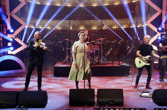 S kapelou Čechomor loni zpívala jen čtyřikrát.