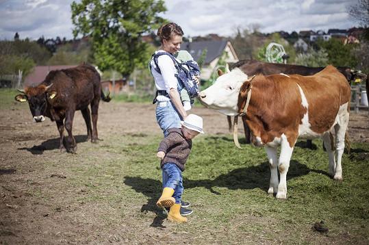 Vyrůstala ve vesnici na východním Slovensku.