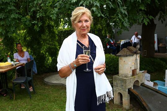 Vlasta Peterková slaví 75. narozeniny.