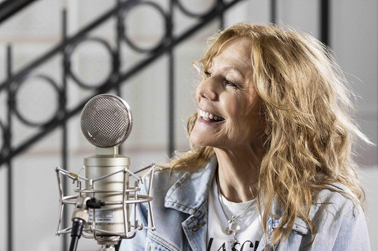Lenka Filipová se s novou písní ohlásila po třech letech. Diváci ji uslyší v seriálu Kukačky.