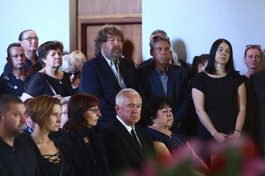 Smutný Zdeněk Troška se přijel se svým kamarádem rozloučit.