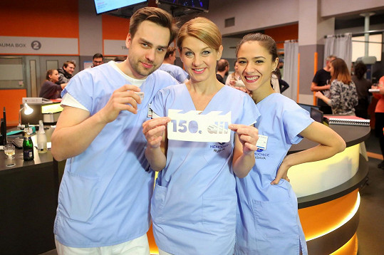 Eva v seriálu s Ondřejem a Sabinou Laurinovou