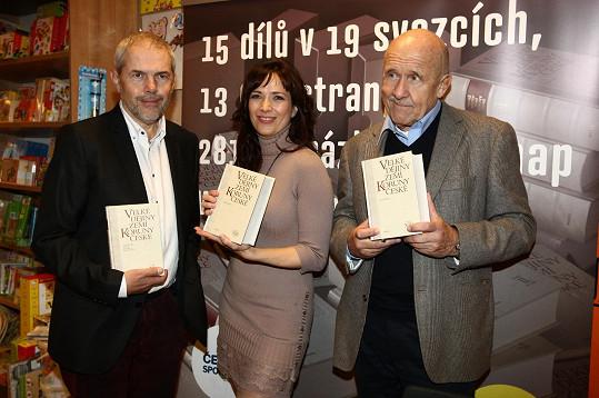 Tereza s Markem Ebenem a Petrem Nárožným křtila encyklopedii o českých dějinách.