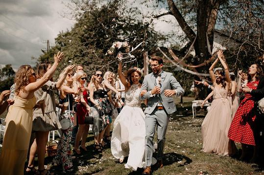Na svatbě bylo 90 hostů.