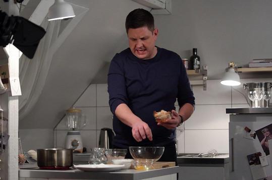 Michal Novotný vaří rád i doma.