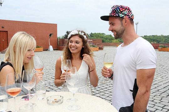 Denisa na setkání TV Prima ve vinařství