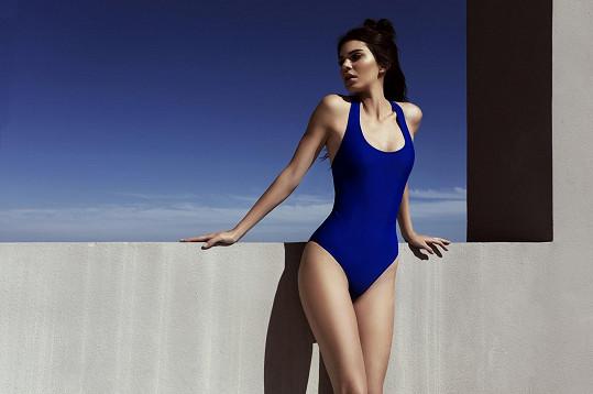 Kendal Jenner se svou sestrou navrhly plavky už pro druhou letní sezónu.