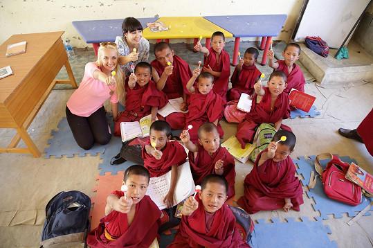 Nela Boudová ve škole v Tibetu