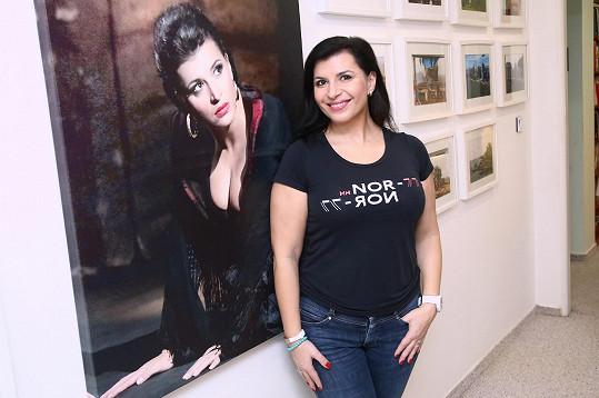 Andrea se svým obrazem v nejslavnější roli Carmen