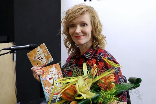 Herečka svůj literární počin namluvila do audioknihy.