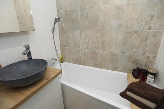 Koupelna je sice malá, ale také jim záleželo na designu.