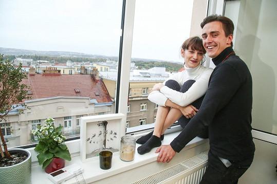 Bára Jánová a Vítězslav Bečka spolu žijí pět měsíců v bytě na pražských Vinohradech.