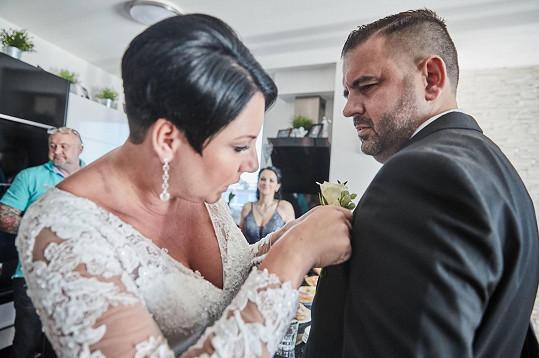 Svatba se konala jen za přítomnosti nejbližších.