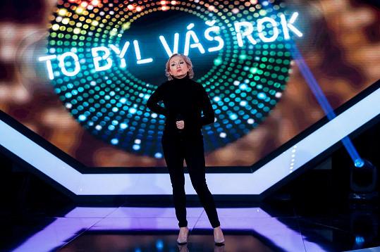Bára Basiková včera večer v prvním díle barrandovského pořadu také vystoupila.