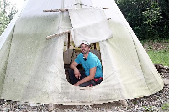 Zdeněk Slouka (36) má na své farmě snad všechna zvířata a turistům nabízí prázdninové ubytování v teepee, provozuje i samoobslužný obchůdek.