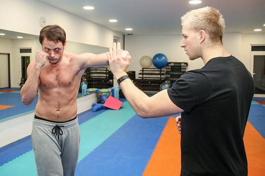 Věnují se i nacvičování boxu.