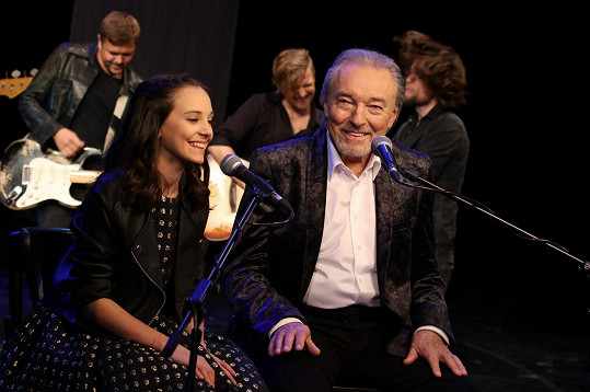 Nazpívali spolu duet.