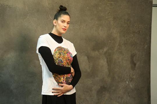 Aneta Vignerová čeká své první dítě.