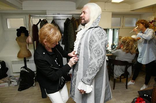 Laffita dorazil na zkoušku kostýmů pohádky Když draka bolí hlava.
