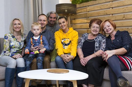 Do pořadu přihlásila Tomáše jeho maminka, která je mu společně s tchyní velkou oporou.
