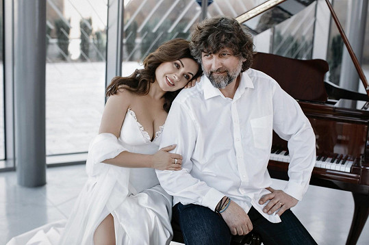 Fotila se i s manželem Petrem Maláskem.