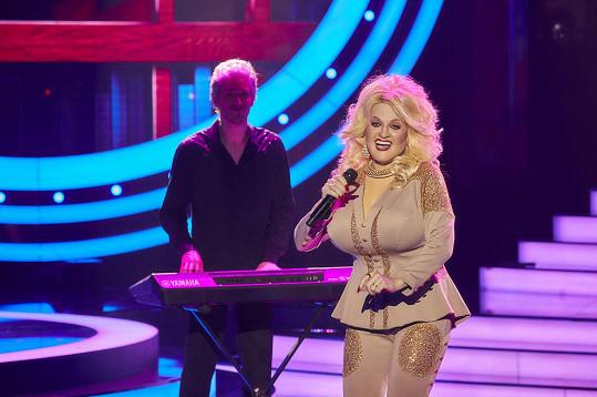 Marta Jandová jako Dolly Parton.