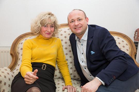 Moderátorka s ředitelem soutěže Davidem Novotným