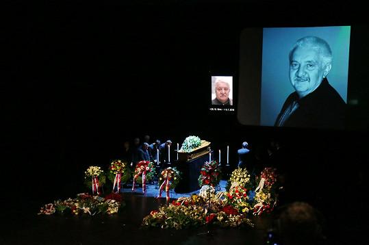 Ve Slovenském národním divadle se konalo poslední rozloučení s Mariánem Labudou.