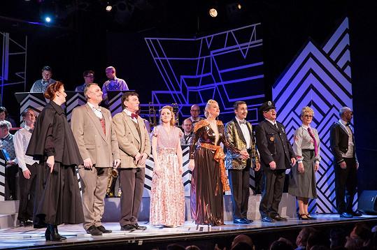 Na prknech Divadla Broadway měl premiéru muzikál Zasněžená romance.