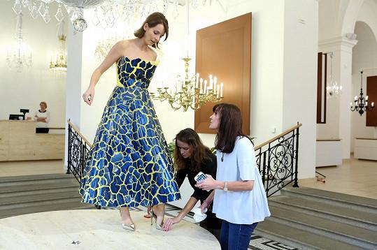Nová kolekce Beaty Rajské Pipilotta 2018 modelku tak trošku přenesla do dětství. Autorka pracovala s kresbami třech holčiček.