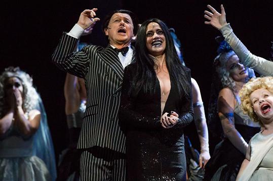 Lucie Bílá na děkovačce po obnovené premiéře muzikálu Addams Family