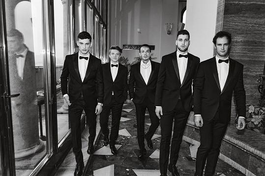 Tito pánové letos bodovali v anketě Esquire MAN 2020 (zleva): David Trulík, Filip Hodas, Yzomandias, Alexander Choupenitch a René Müller.