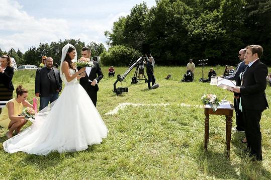 Petra Faltýnová v seriálu Svatby v Benátkách