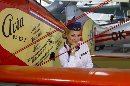 V historické uniformě letušek ČSA.