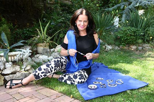 Adriena Sobotová se pochlubila svými vlasnoručně vyrobenými šperky.