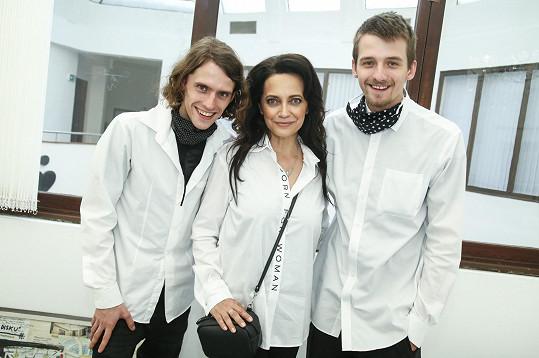 Lucie Bílá se synem Filipem (vlevo) a jeho bratrem Pavlem