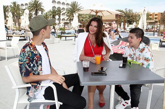 Kluky s sebou Andrea vzala do Tuniska na soustředění Muže roku. Neměla pro ně hlídání.