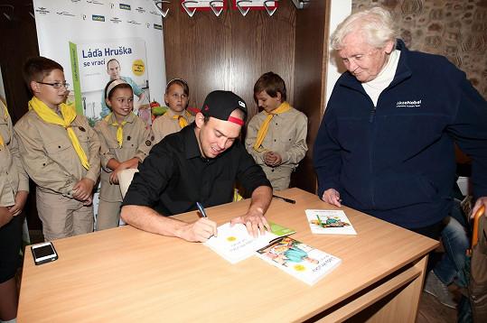 V domovském Městci Králové měl svou poslední autogramiádu.