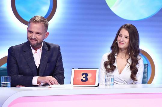Moderátor Libor Bouček s herečkou Sarou Sandevou