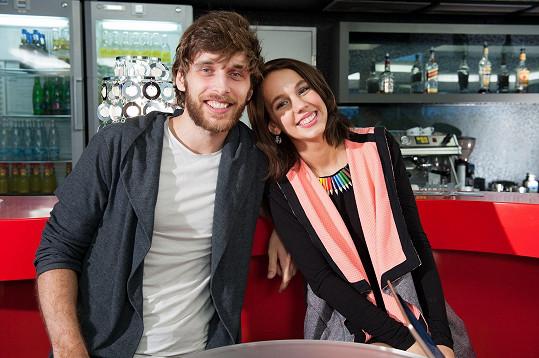Nedávno se zasnoubila s Romanem Tomešem.