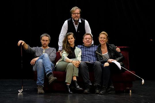 Jana s kolegy v představení Dvě noci na Karlštejně, které režíroval její bývalý partner David Drábek (nahoře).