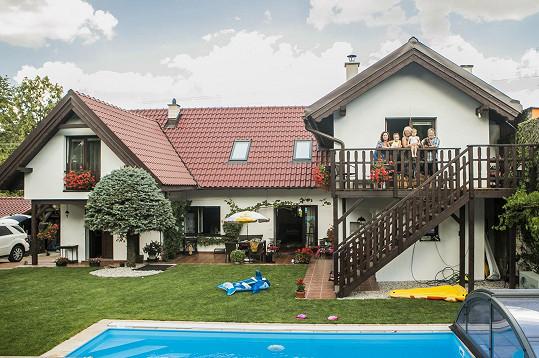 Roman Skamene a jeho rodinné sídlo