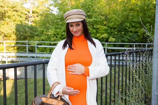 Moderátorka prozradila požehnaný stav v 6. měsíci těhotenství.
