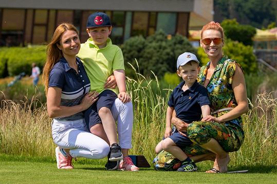 S kolegyní a kamarádkou Romanou Pavelkovou a jejím synem