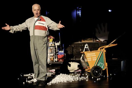 Bob Klepl ve hře Vysavač, kterou mu Patrik Hartl napsal na míru.
